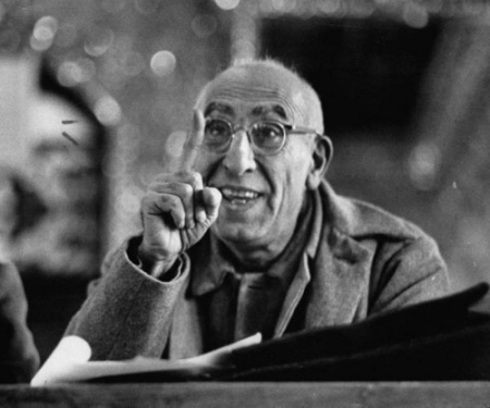 mohamed-mossadegh-premier-of-iran-correcting-the-prosecutors-grammar-at-his-trial1953
